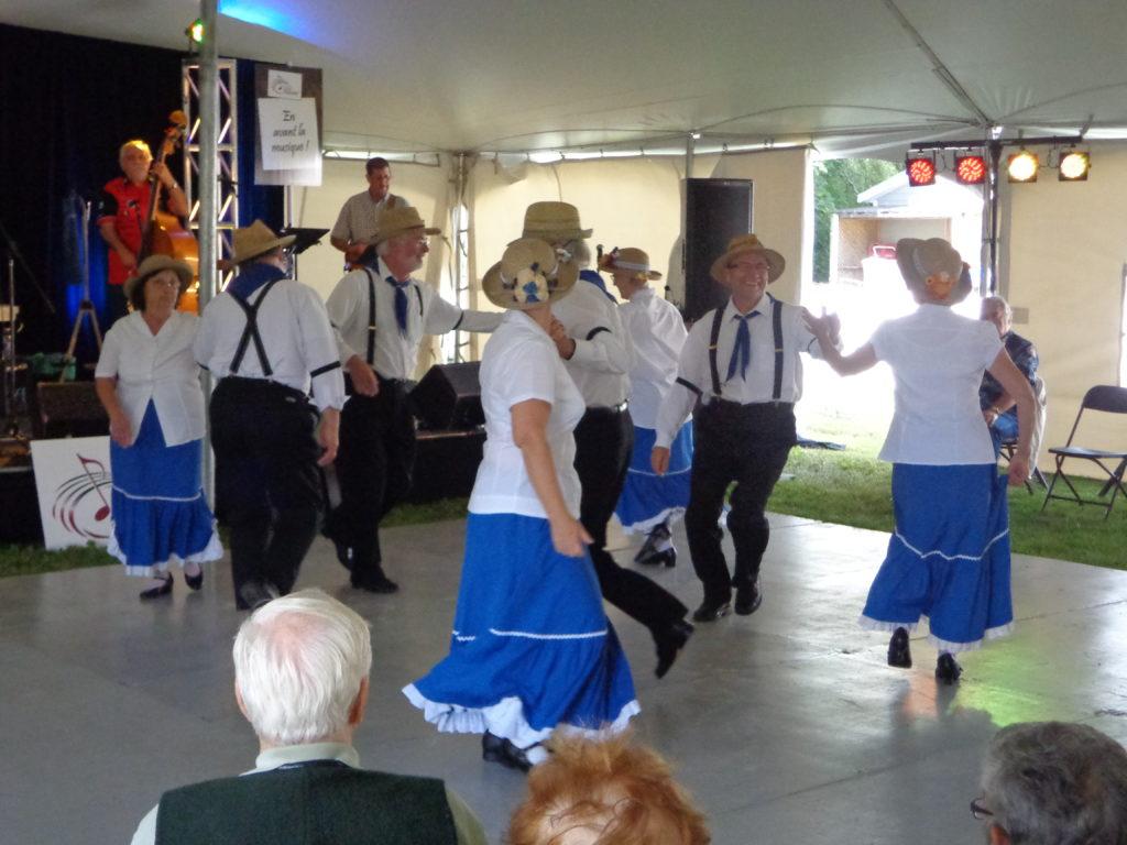 Danses-démo aux Fêtes de l'Acadie